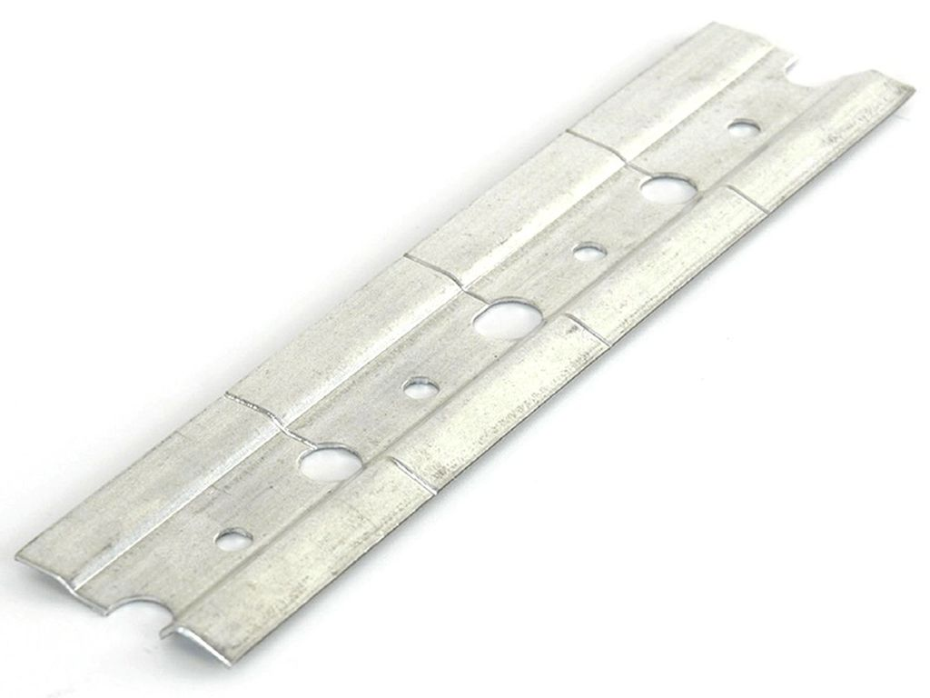 Для крепления можно использовать специальные планки для навешивания шкафчиков