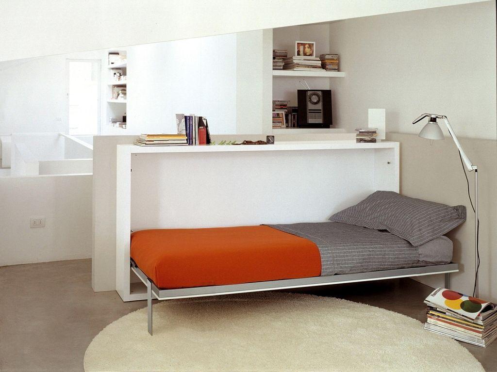 Тумба-кровать бывает и с горизонтальным механизмом раскладывания