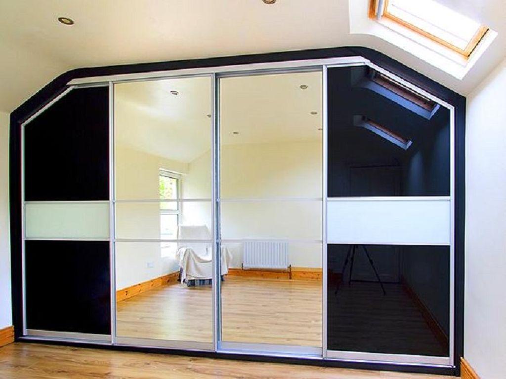 Шкаф с двумя скошенными углами