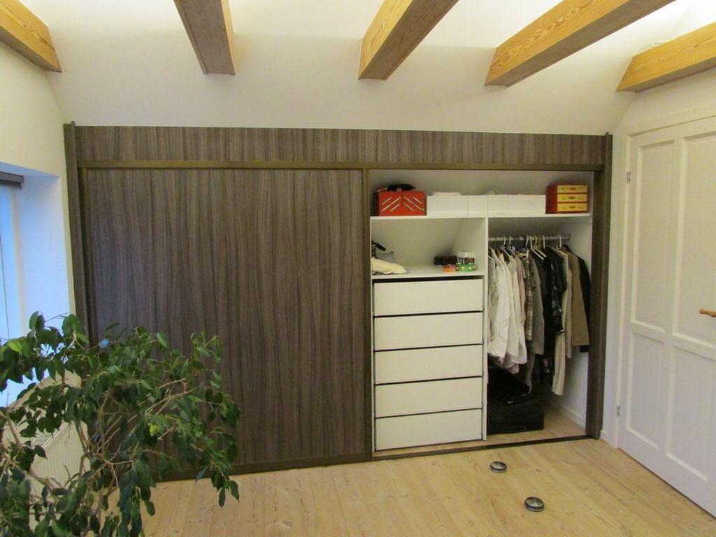Для дверок шкафов подойдут ДСП, кожа, пластик и стекло