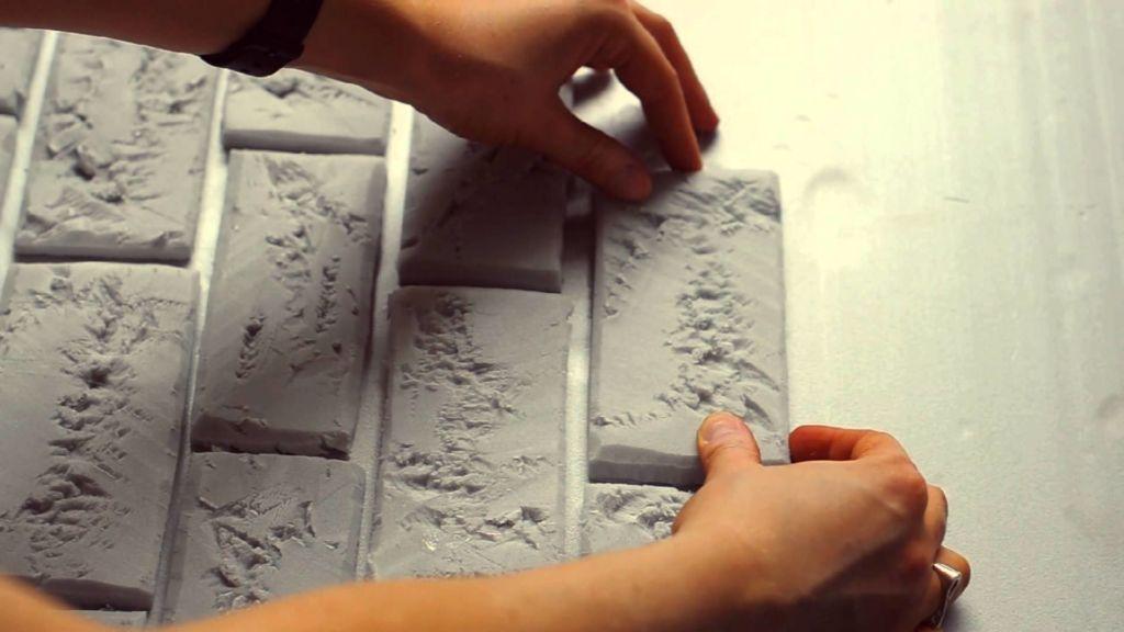 Кирпичная стена из пенопласта