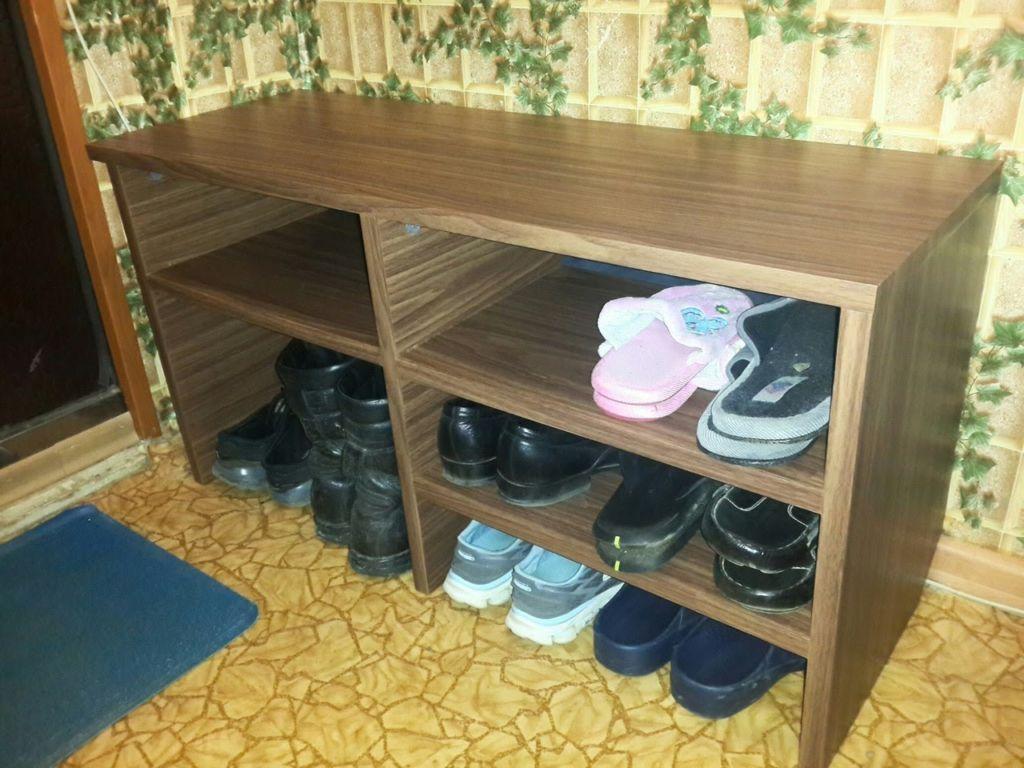 В средних по размерам моделях хранить обувь может пара или семья с ребенком