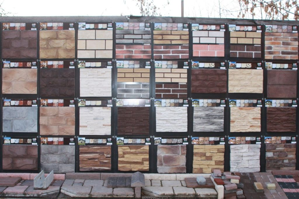 Облицовочные материалы для каминов следует подбирать по определенным правилам и принципам