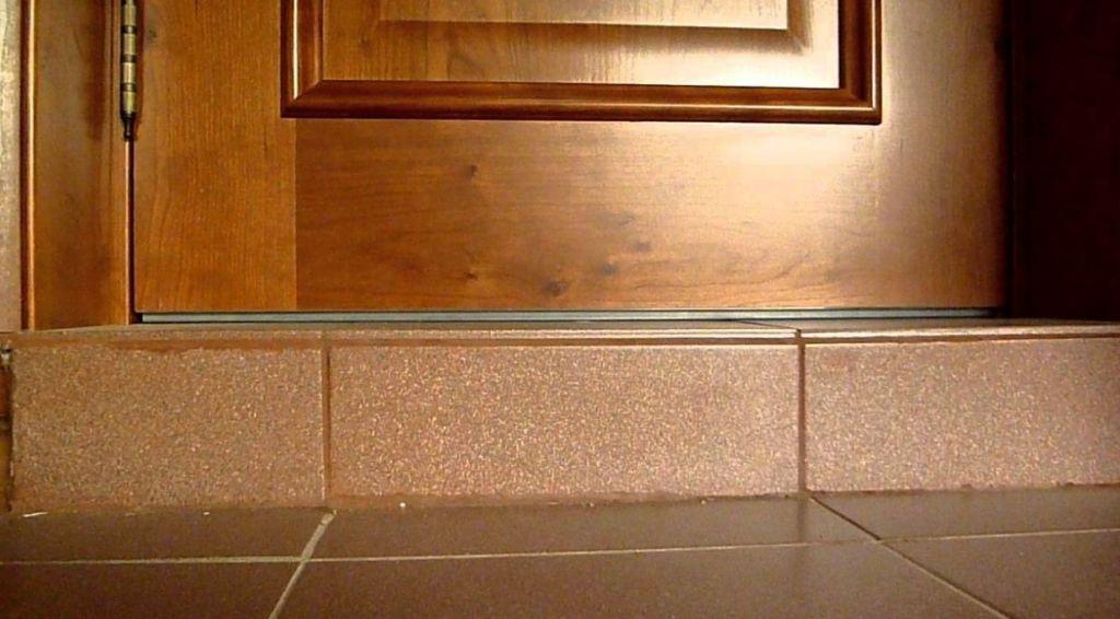 Бетонный порог в ванной комнате прослужит более десяти лет