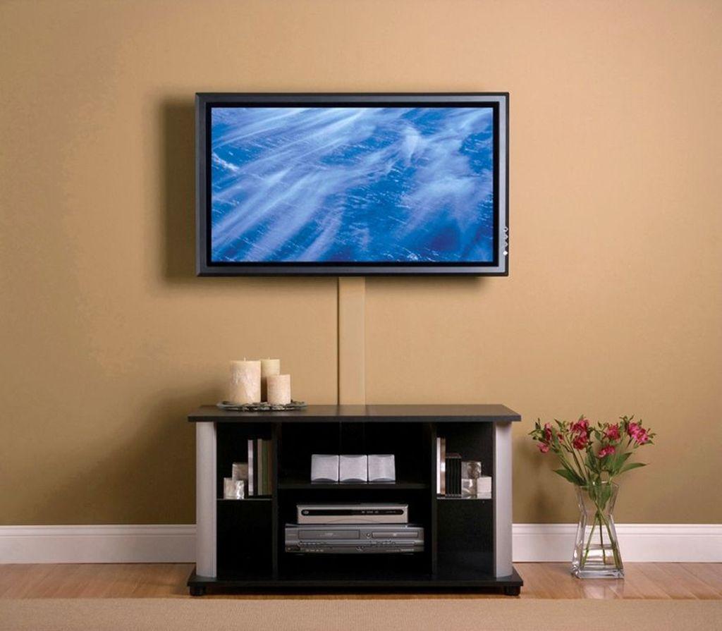 Провода от телевизора можно скрыть или декорировать