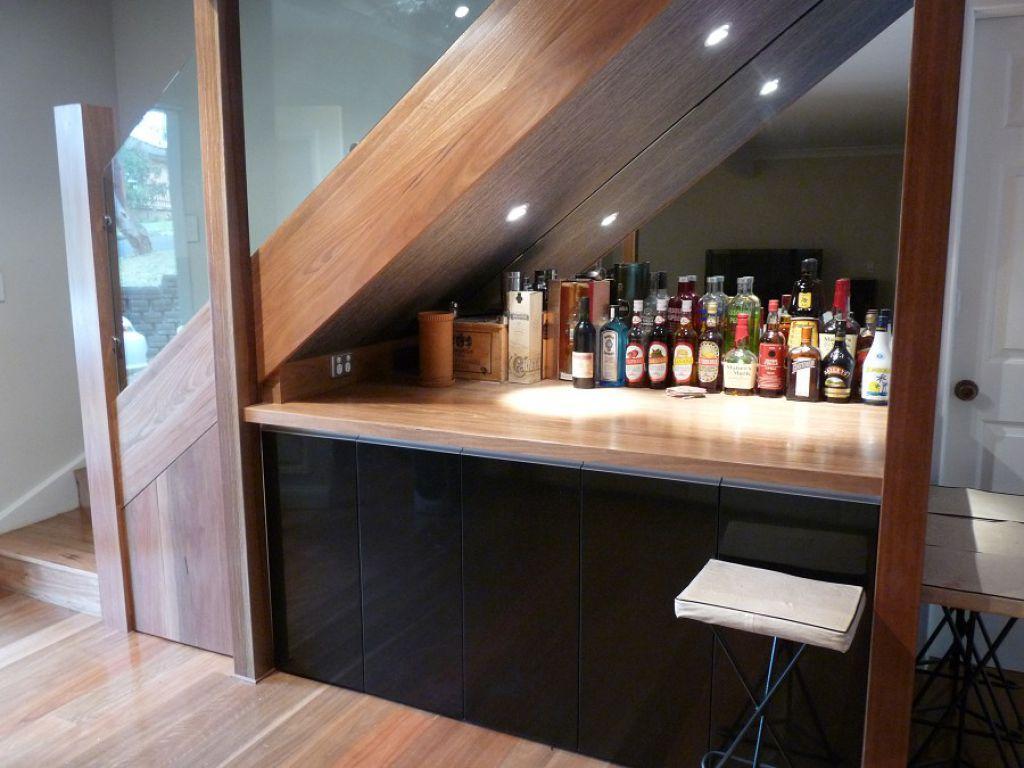 Мини бар под лестницей