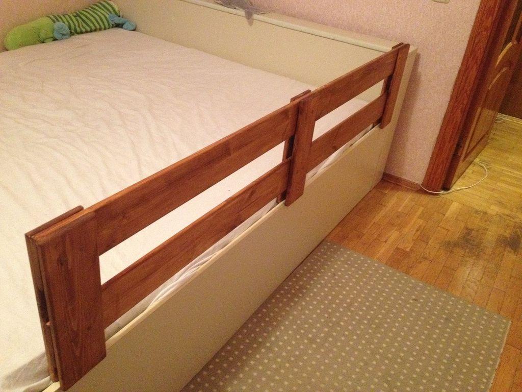 Борт кровати может быть задумкой дизайнера и иметь длину до двух метров