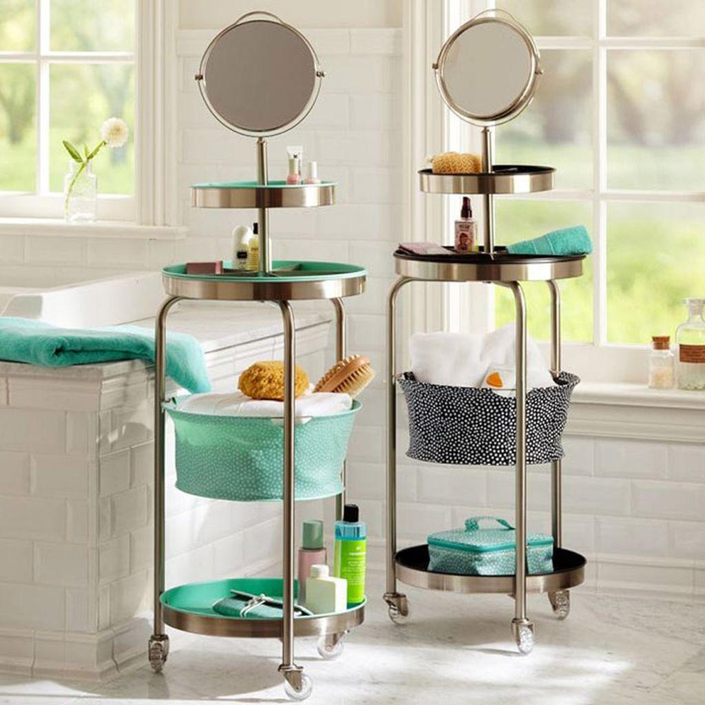 Конструкции на колесиках удобны при приеме ванны