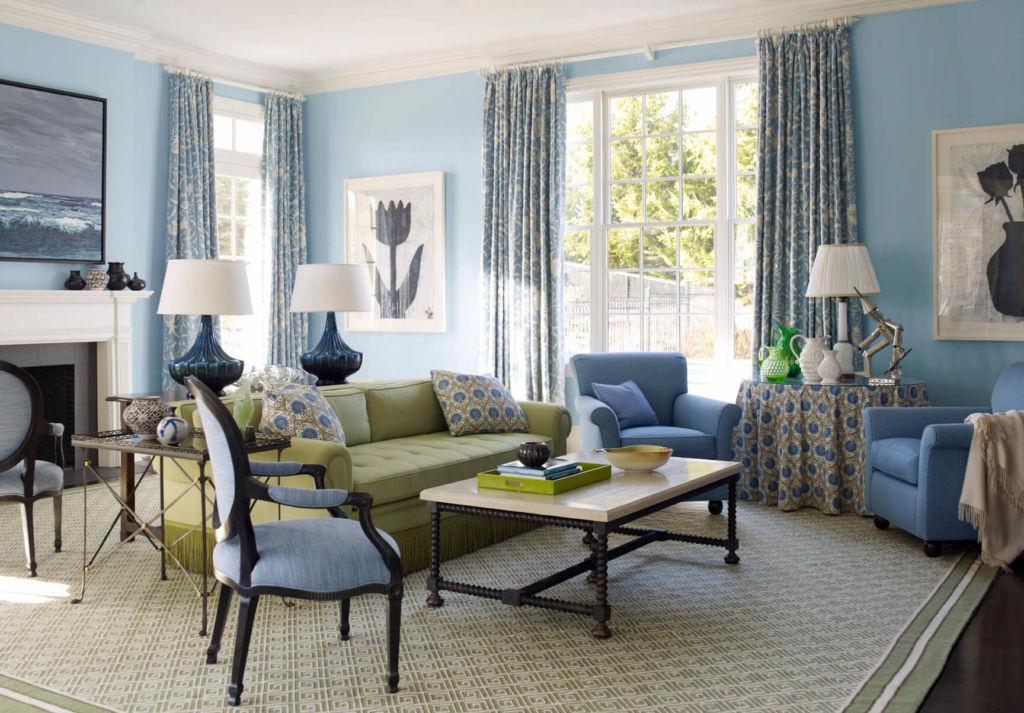 В декоре многие столетия применяют голубой цвет для роскоши интерьеров дворцов и замков