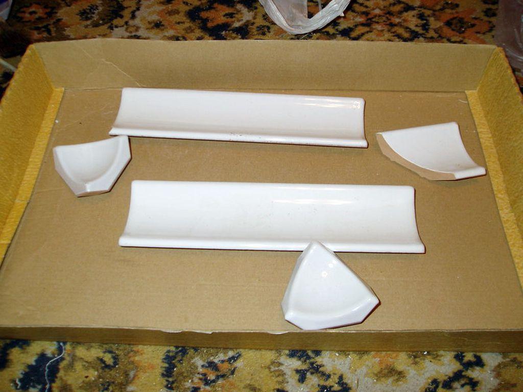 Керамический плинтус достаточно прочный и за ним легко ухаживать