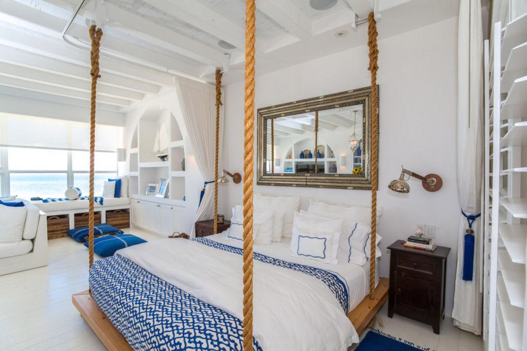 Двуспальная кровать в морском стиле