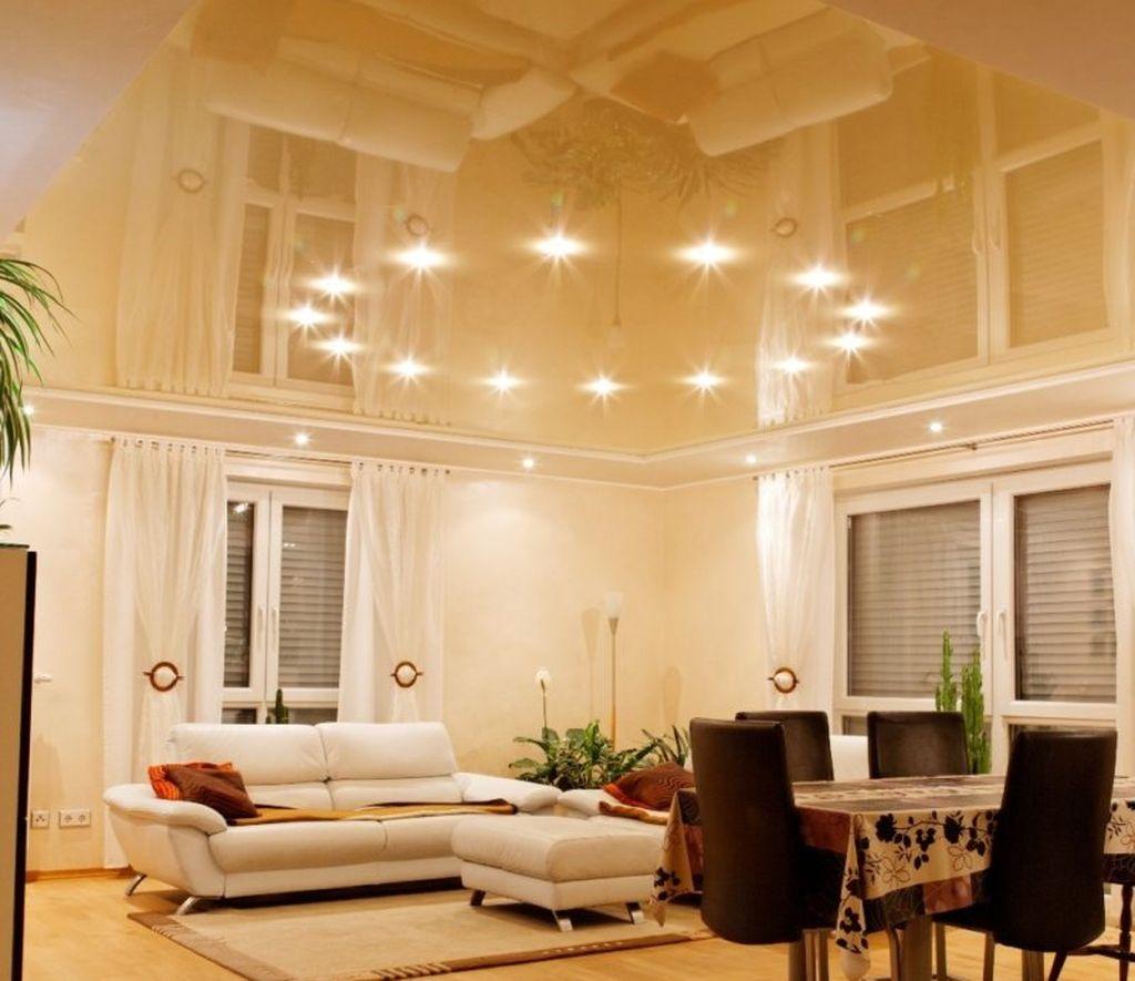 Натяжной потолок является одним из самых популярных вариантов