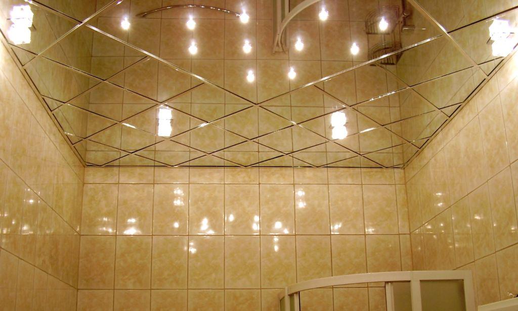 Какой лучше выбрать потолок в ванную комнату