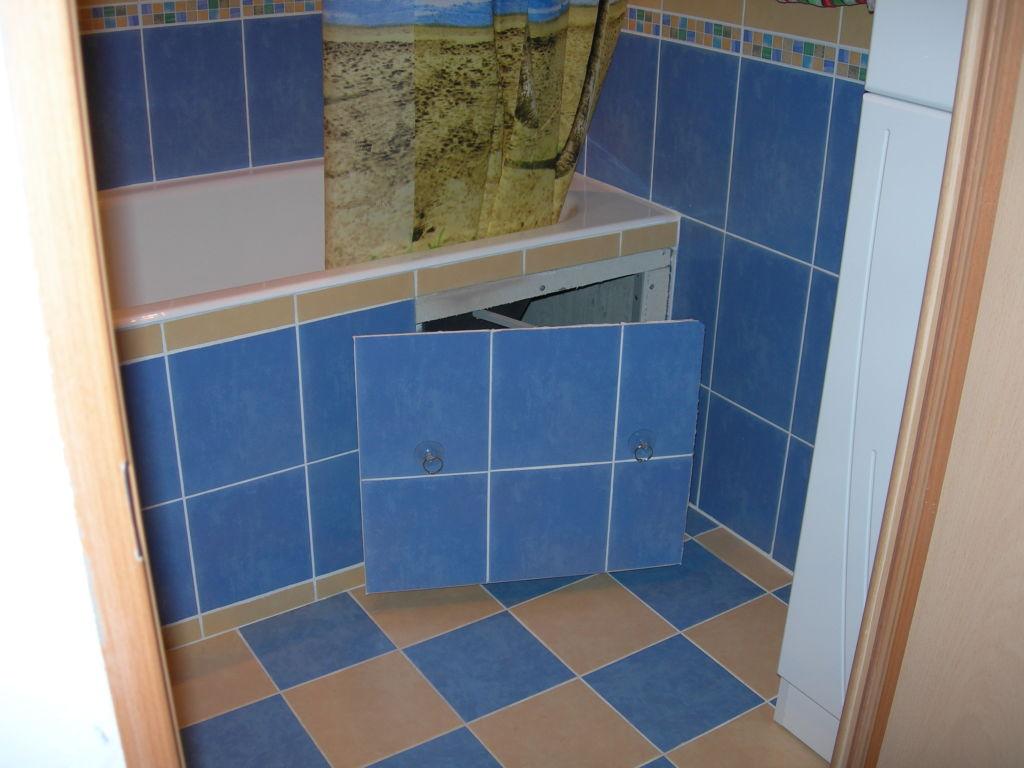 Ревизионный люк под ванной