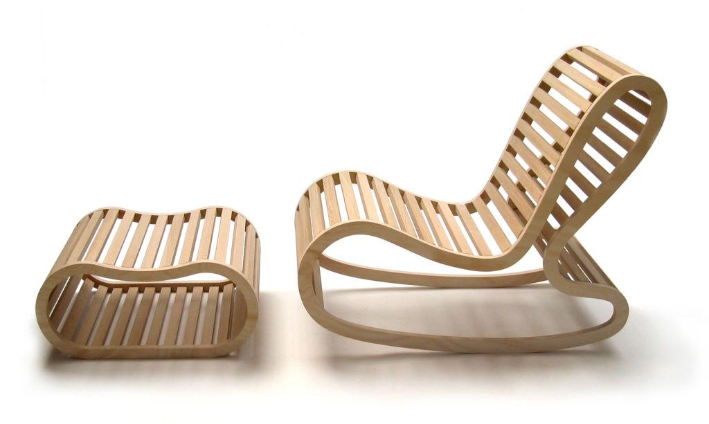 Кресло качалка из фанеры отличный вариант для отдыха на даче, в загородном доме или просто на природе