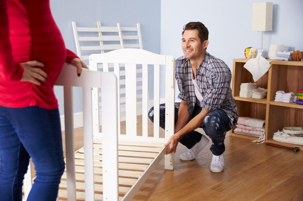 Сборку любой детской кроватки можно собрать самостоятельно