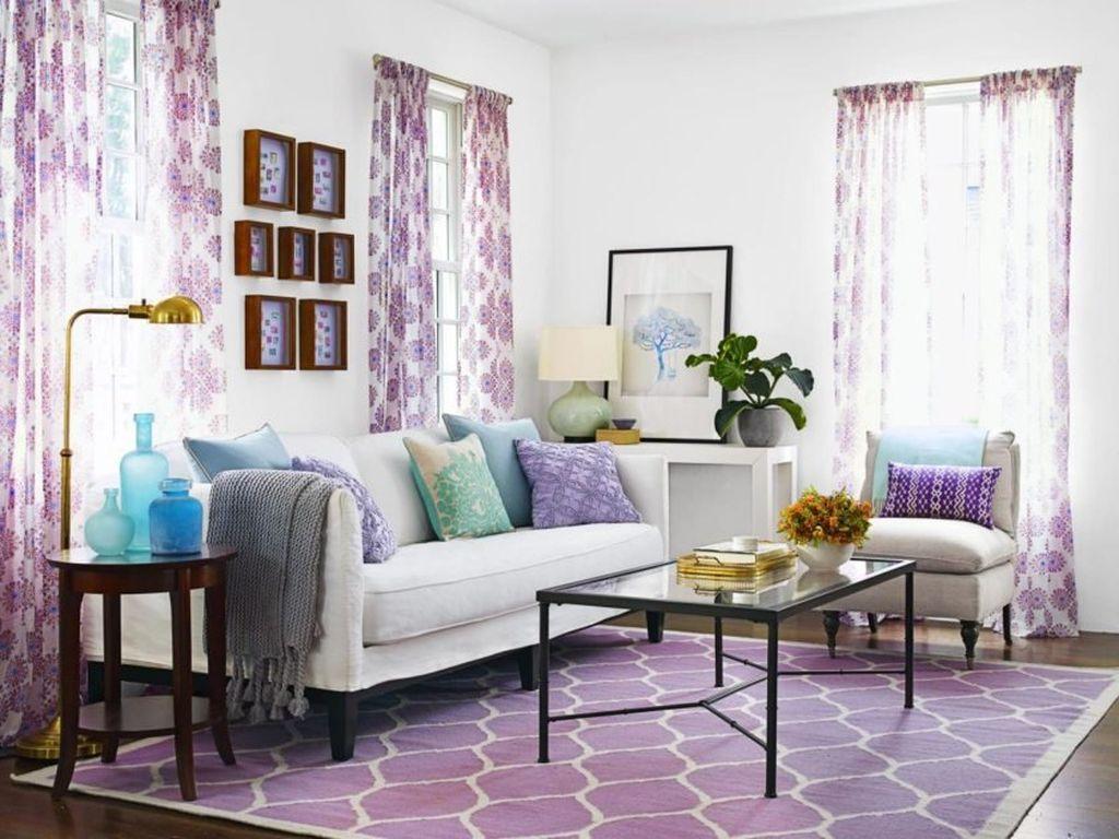 Для потолка лучше всего выбрать нейтральный цвет, например белый или его тона