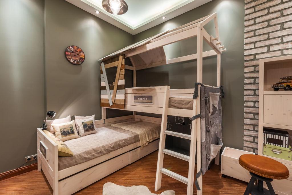 В комнате для мальчика можно установить кровать чердак