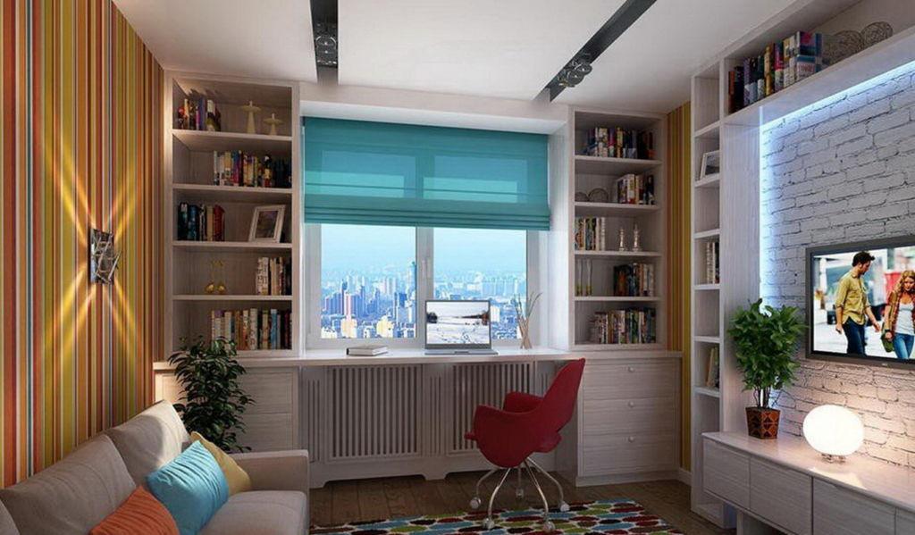 Стол у окна в детской комнате с рабочей зоной