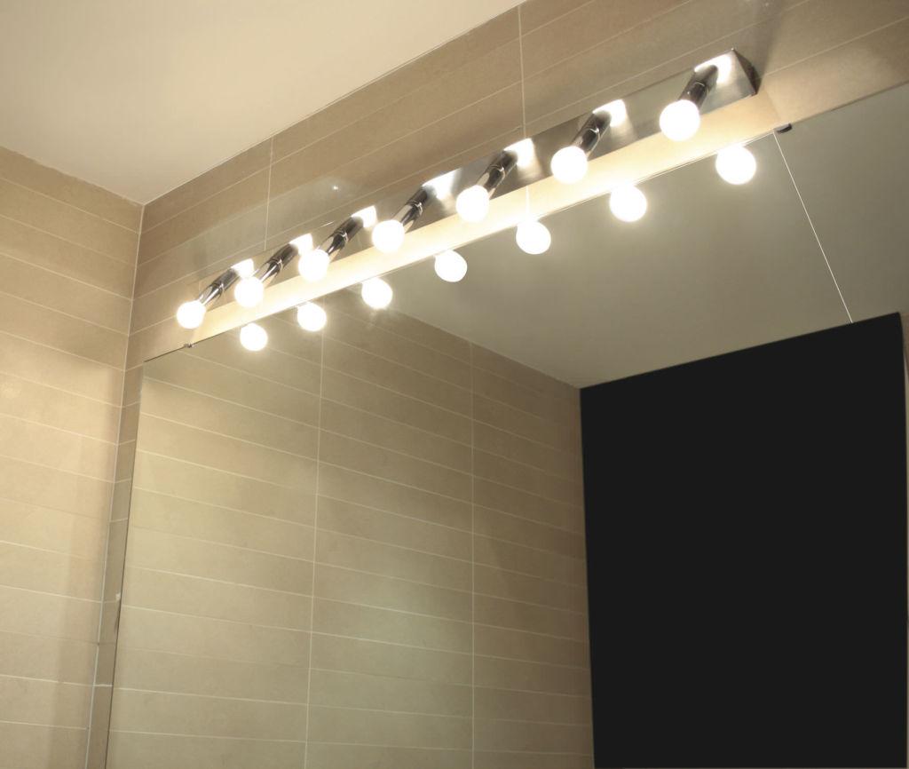 Светодиодные лампы очень эффективны и прекрасно подходят для освещения зеркала в ванной комнате