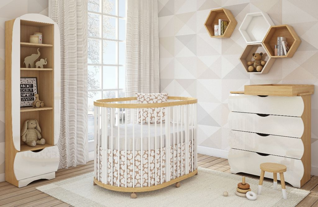 Овальная кроватка-трансформер длиной 120 см и шириной 60-65 см будет комфортна ребенку примерно до трех лет