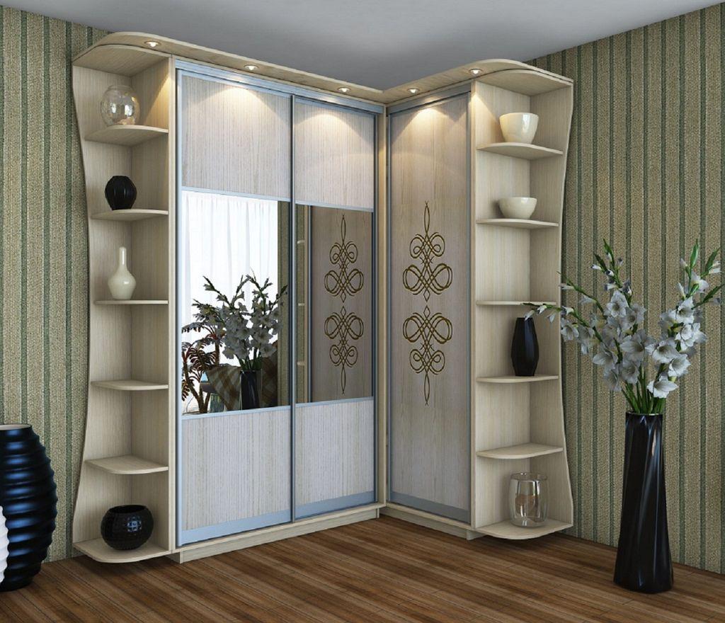 Углового типа конструкция в отличие от классического гардероба вмещает гораздо больше вещей и не загромождает площадь