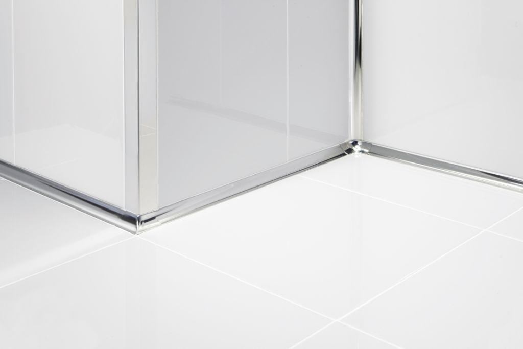 Металлические уголки используются вместе с тяжелой прямоугольной плиткой, так как они спокойно переносят большие нагрузки