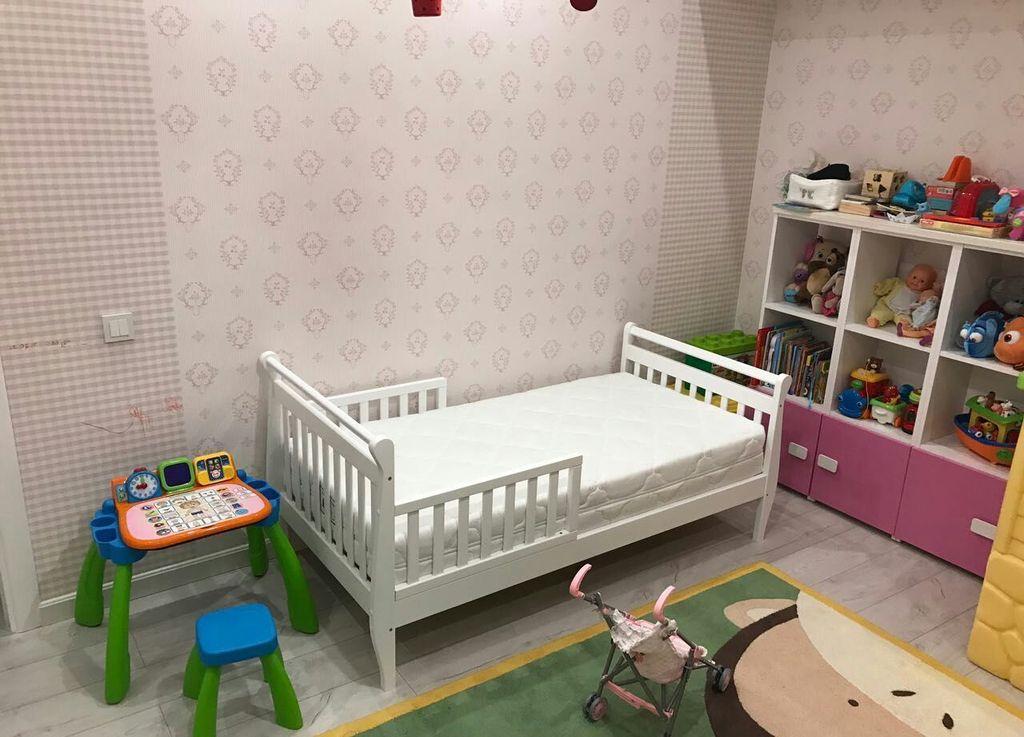 Для ребенка не стоит выбирать слишком высокий вариант кровати