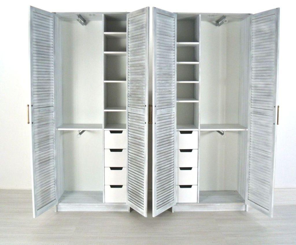 Периодически шкаф нужно полностью проветривать