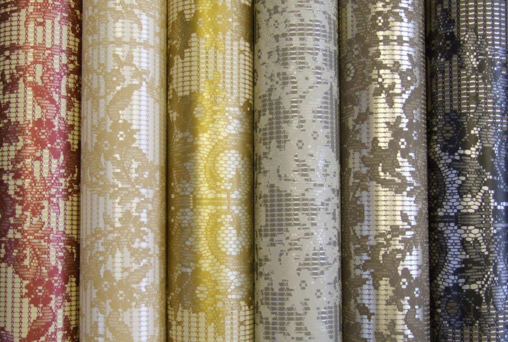 Текстильные виды безопасны для здоровья, но требуют бережного ухода и сухой чистки