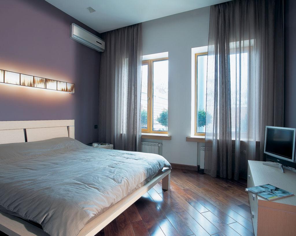 Для пола в спальне часто используется ламинат, паркет или паркетная доска, пробковое покрытие, линолеум и ковролин