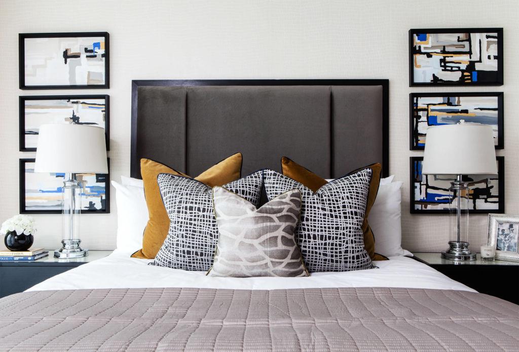 Картины в спальне в стиле арт - деко