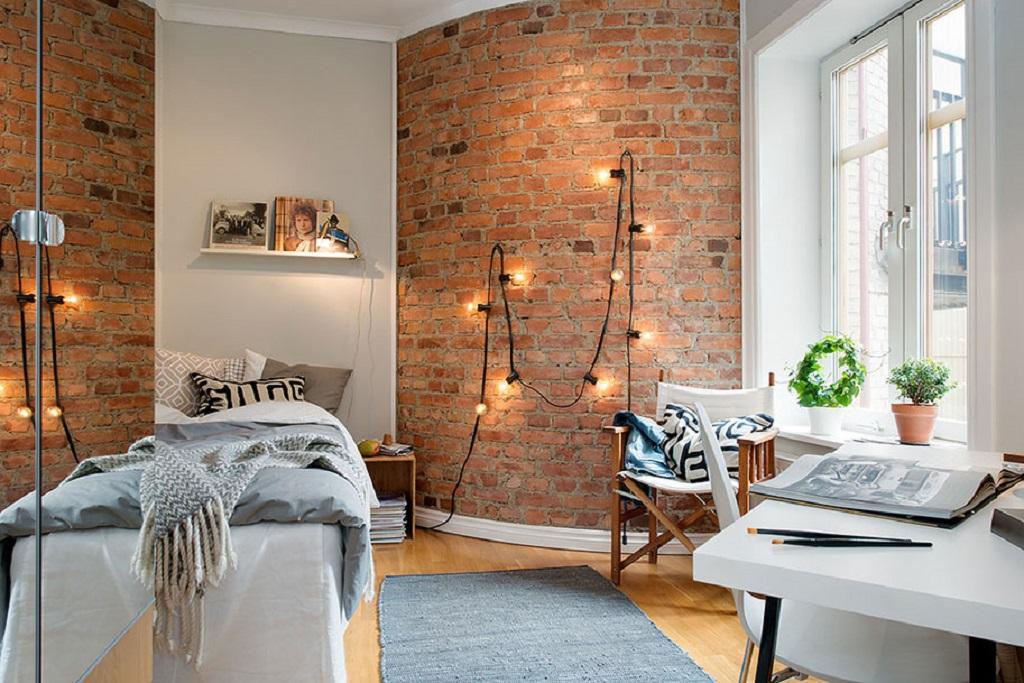 При оформлении скандинавского стиля можно использовать светлые древесные оттенки в сочетании с матовой поверхностью