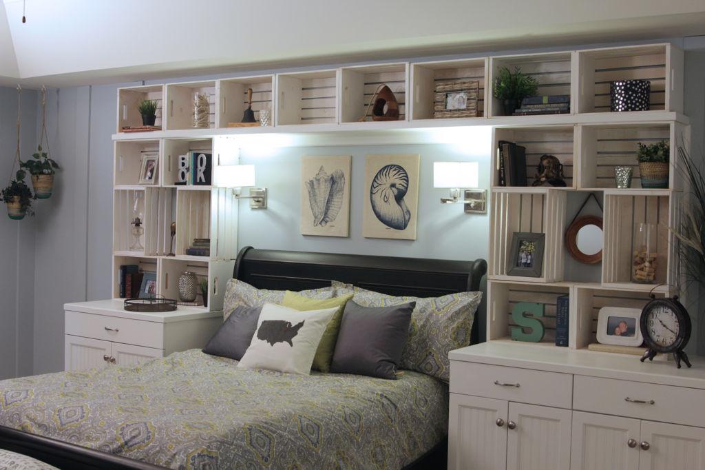 Дизайнеры предлагают сотни различных вариантов украшения изголовья кровати и стены за ней в стиле прованс
