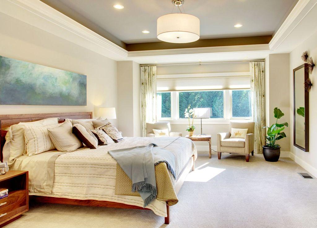Выбирая кровать в спальню, мы хотим, чтобы она была не только красивой и модной, но также уютной и удобной