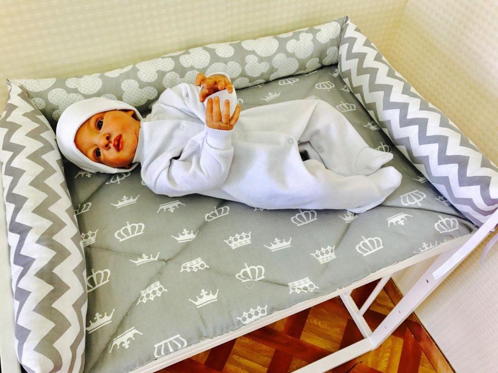 Мягкий и удобный пеленальный матрас на комод обеспечит малышу максимальный комфорт во время процедур