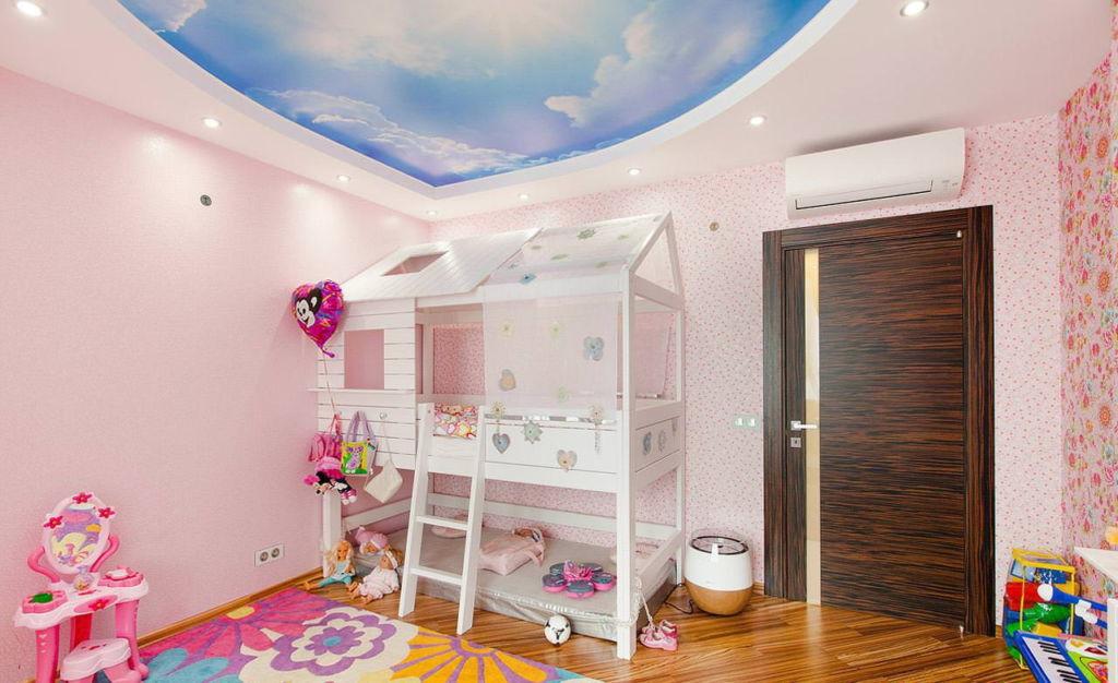 Натяжной потолок с фотопечатью для детской