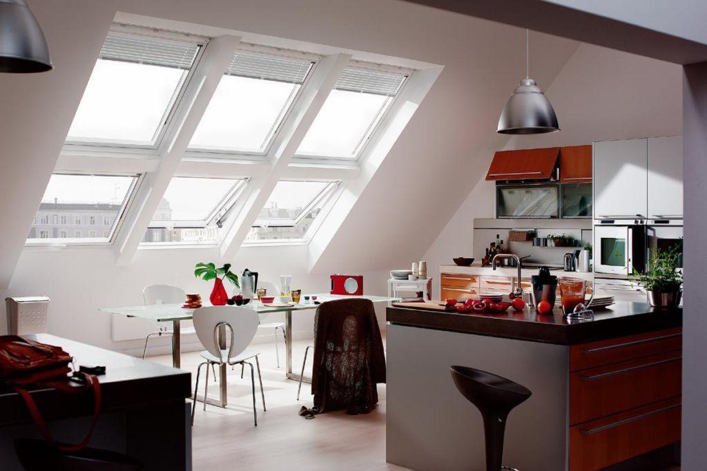 Дизайн кухни на мансарде