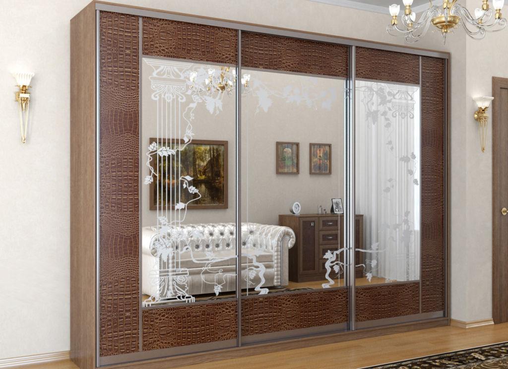 Шкафы, отделанные кожей, смотрятся дорого, неординарно, приятны на ощупь