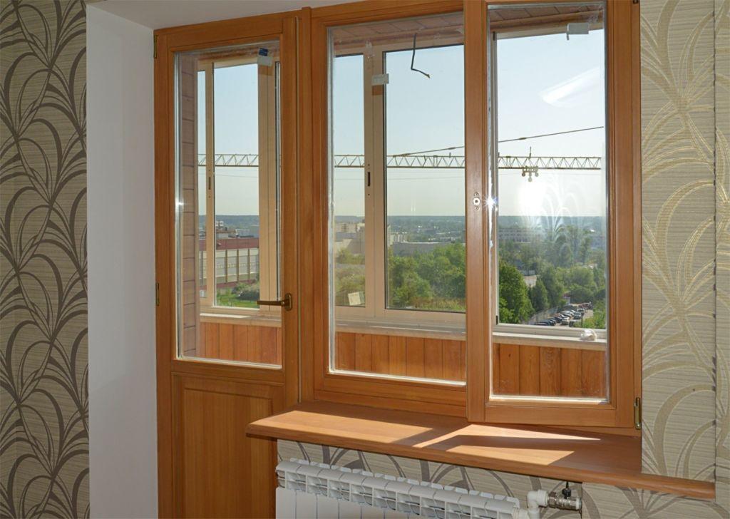 Балконный блок с распашной дверью и поворотно-откидным окном