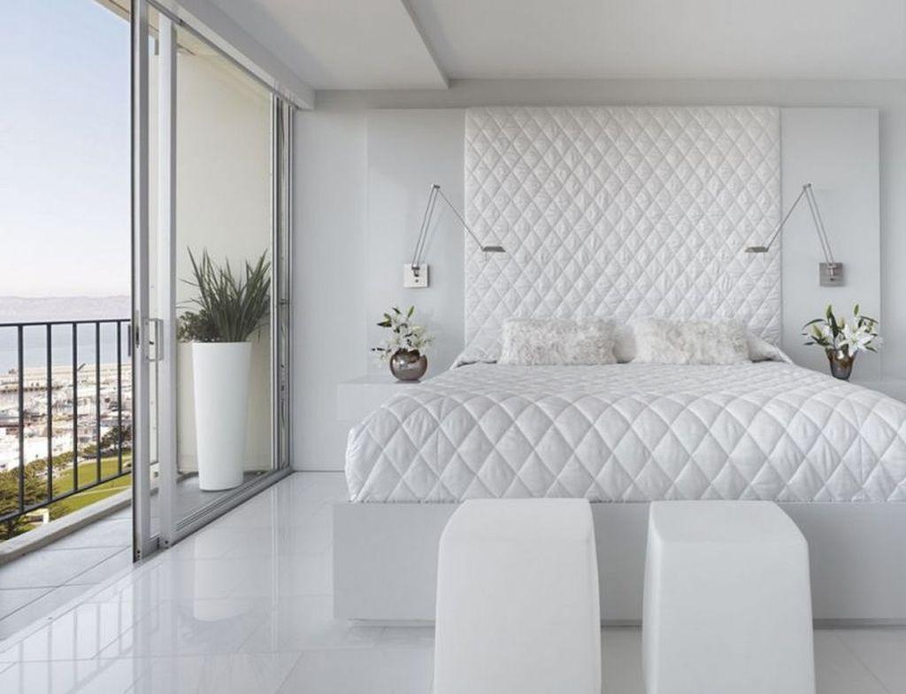 Достаточно часто белый цвет в интерьере используют в различных его оттенках
