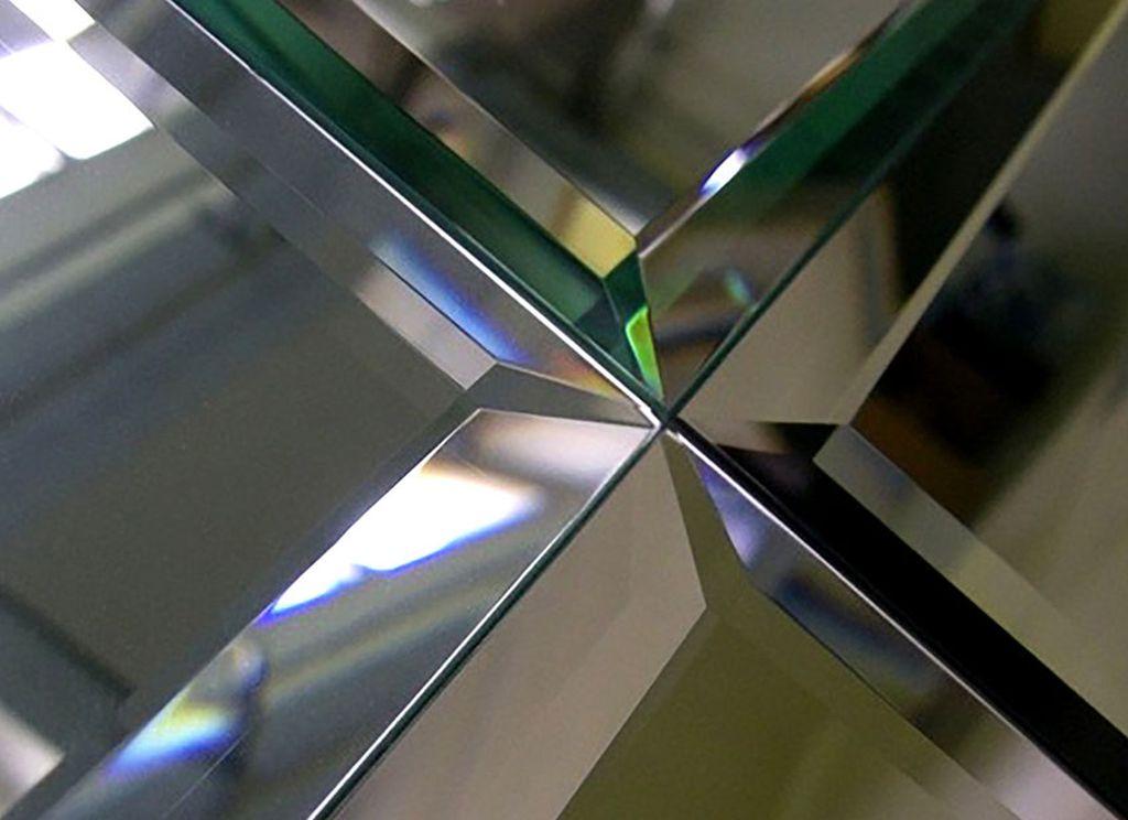Прямолинейная фаска выполняется для зеркал обычной формы
