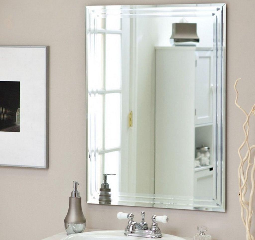 В санузле зеркало с фацетом чаще всего устанавливают над раковиной