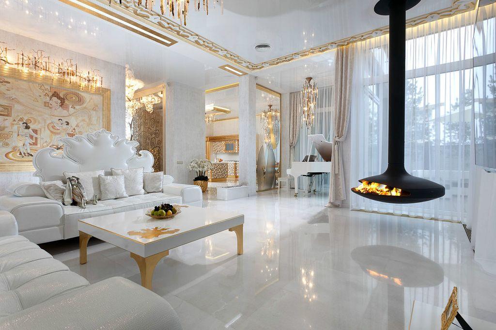 Рекомендуется дополнять потолки лепниной или необычными элементами
