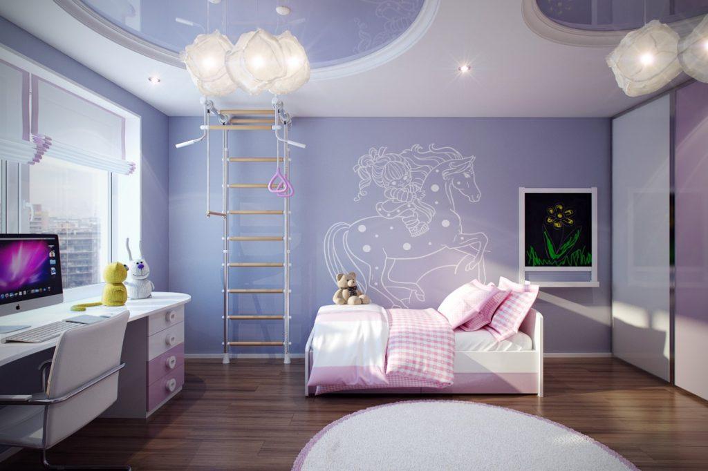 Если потолок ровненький, его можно просто покрыть краской, при некрасивом потолке проще всего будет заказать натяжной