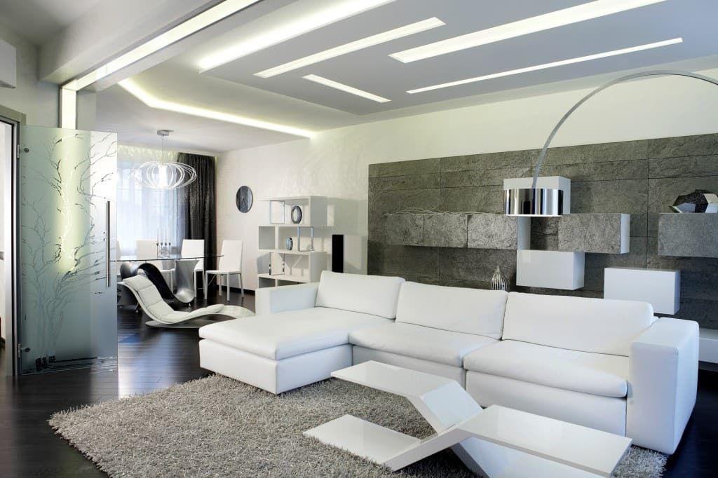 Освещение и подсветка является одним из главных акцентов в стиле хай-тек