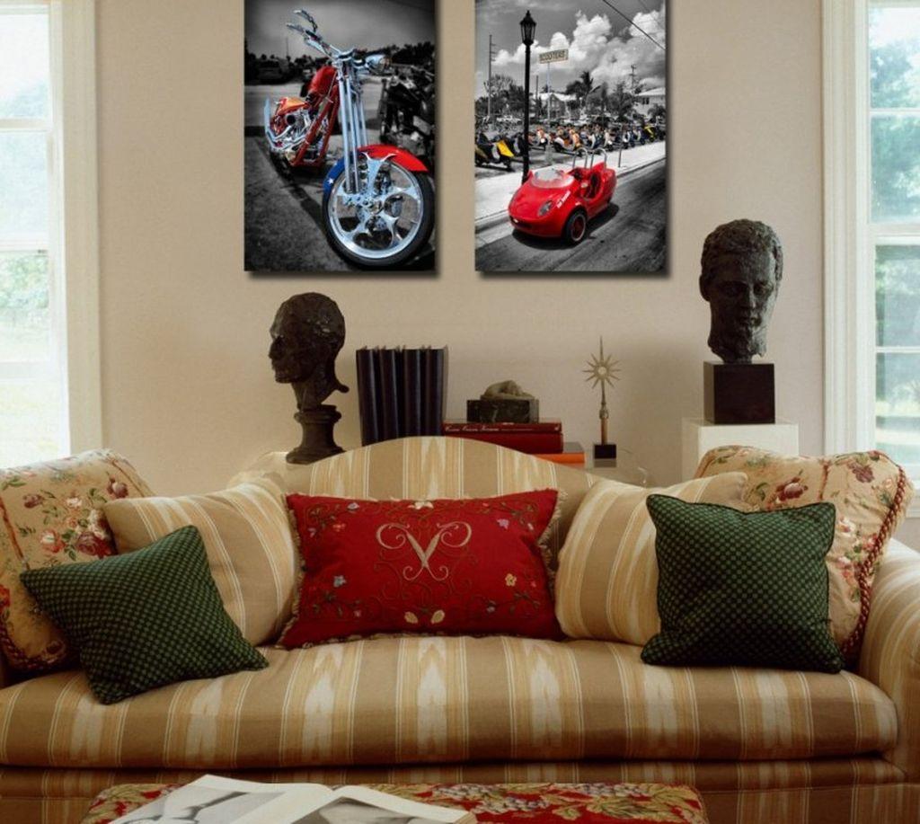 Стоимость постеров, как правило, дешевле картин