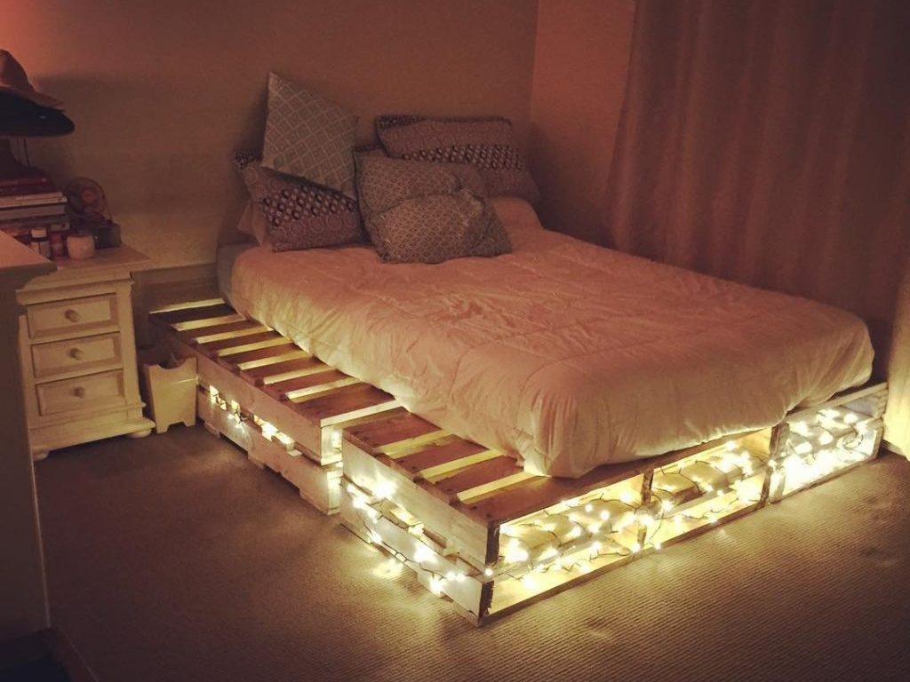 Установленное и готовое изделие можно эксплуатировать не только как спальное место, но и сделать ночником