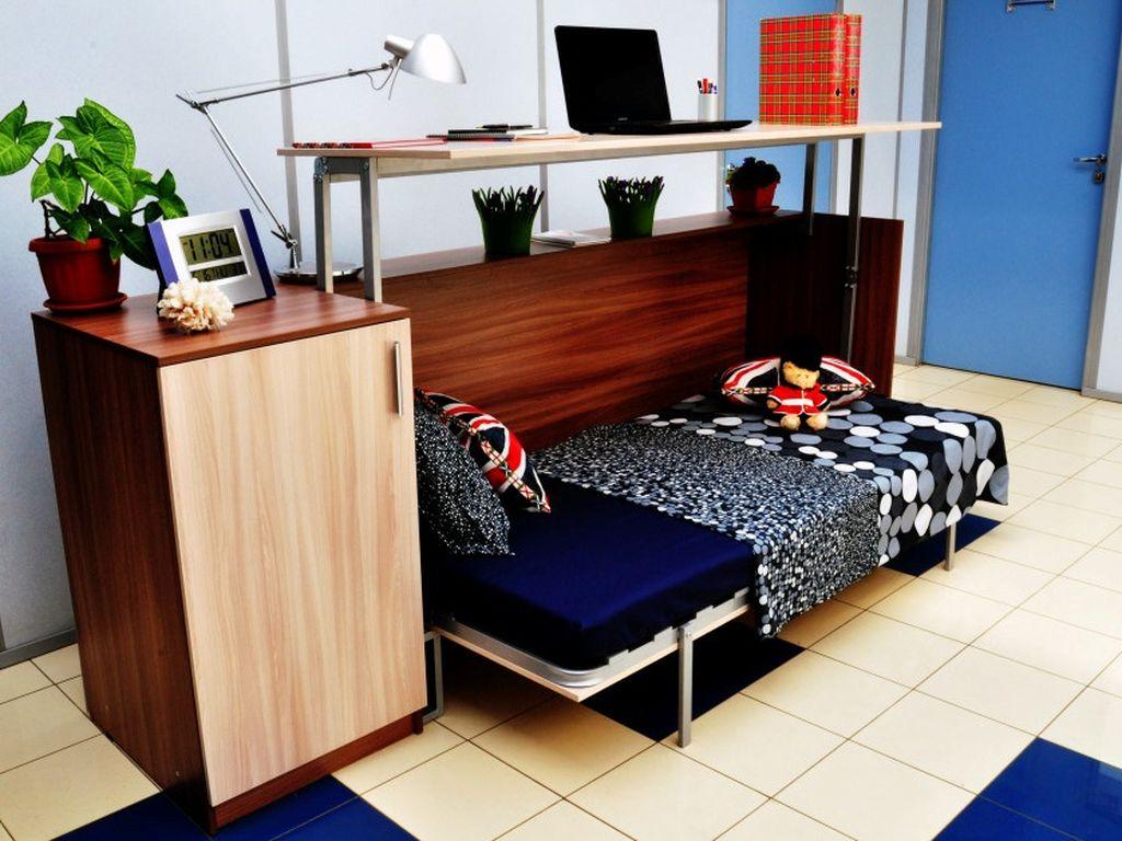 Если площадь квартиры или комнаты небольшая, то кровать-трансформер просто незаменима