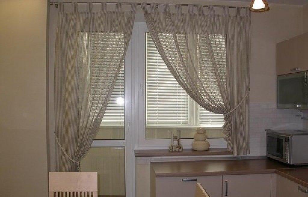 5 способов красиво оформить окно с балконной дверью